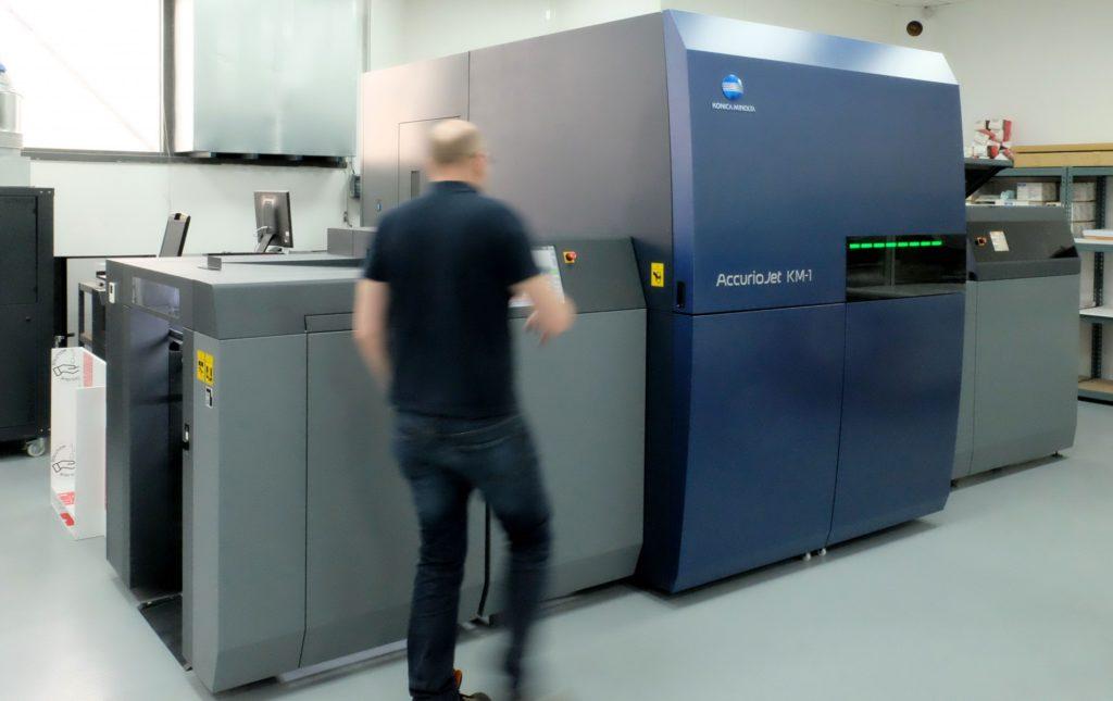 Installation KM-1 à l'imprimerie Baron et Fils